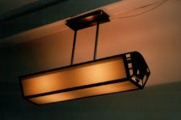 Art-Deco-Leuchte aus Messing
