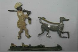 """Zinnfigur des """"Mohren mit Hund"""" bei Anlieferung"""